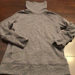 Lululemon pullover sweatshirt. Size 4